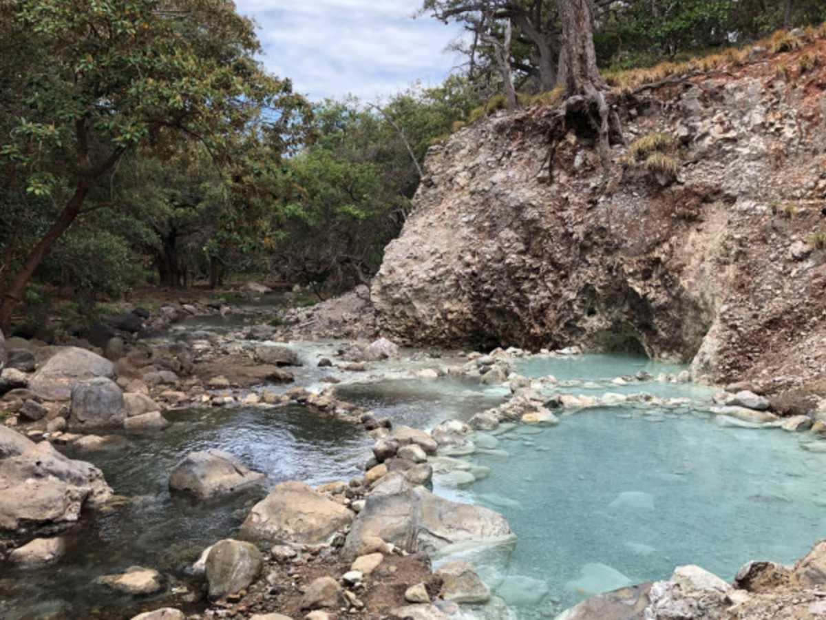Área de aguas termales sector Santa María
